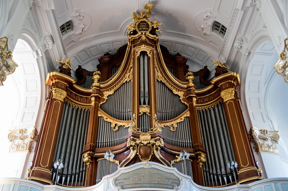 Les instruments et l'enregistrement dans l'église